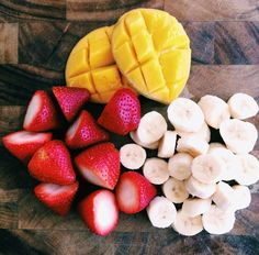 Spring is here. It's time to appreciate those delicious fruits and get ready for Summer! #fruit #healthy #mango #banana #strawberries