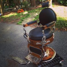 Double Round Wooden Theo A. Kochs deliver to client. As always sitting on #genuineleather #chrome or #nickel the only way to #restore. #antique #mancave #restoration #porcelain #upholstery #hotpaint #love #forsale #barettjackson #custombarberchairs #barbershopconnect #barberchairs #theartofshaving #hairbattletour #barberlife #barbersociety #harleydavidson #barberchair #style #fashion #rebuiltnotbought #Padgram