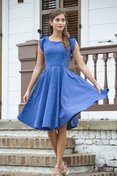Great dress! I love the fit, length, and color!