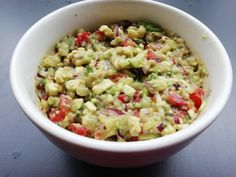 Tomatillo-avocado+guacamole Avocado Guacamole, Lchf, Potato Salad, Dips, Oatmeal, Potatoes, Vet, Breakfast, Ethnic Recipes