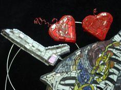 Mosaic Heart artist Laurel True San Francisco on Flickr – ms.donnalee blown glass mosaic heart Buenos Aires on Flickr – jenatknox Broken Rose China Mosaic Heart on Flickr – ohfaro…