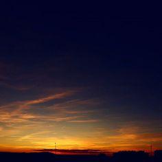 -- AL ESTE DEL MONCAYO... --  #mañocasos  Buenas noches!!  [#albertosierra_mobilephotography]