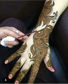 Hina, hina or of any other mehandi designs you want to for your or any other all designs you can see on this page. modern, and mehndi designs Round Mehndi Design, Mehndi Designs Book, Mehndi Designs 2018, Modern Mehndi Designs, Mehndi Design Pictures, Mehndi Designs For Girls, Wedding Mehndi Designs, Dulhan Mehndi Designs, Beautiful Henna Designs