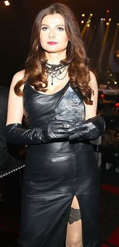 Leather Dresses, Leather Outfits, Elegant Gloves, Gloves Fashion, Black Leather Gloves, Latex Dress, Fall Outfits, Long Hair Styles, My Style