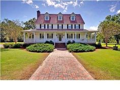 Beautiful S.C. home with wrap-around-porch (3).