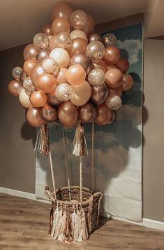 DIY Hot Air Balloon Tutorial Ballon iDeen 🎈 decoration ideas with balloons DIY Hot Air Balloon Tutorial Deco Baby Shower, Baby Shower Themes, Shower Ideas, Baby Shower Balloon Ideas, Shower Party, Baby Shower Decorations Neutral, Shower Gifts, Baby Showers, Bridal Shower