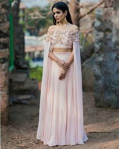 100 Latest Designer Wedding Lehenga Designs for Indian Bride - LooksGud. Choli Designs, Latest Lehnga Designs, Blouse Designs, Indian Wedding Outfits, Indian Outfits, Indian Engagement Outfit, Crop Top Design, Wedding Lehenga Designs, Indian Gowns Dresses