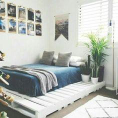 58 + Comfy Minimalist Bedroom Decor Ideas Kleine Zimmer - Nellwyn News Cheap Bedroom Decor, Apartment Bedroom Decor, Apartment Furniture, Cheap Home Decor, Diy Home Decor, Bedroom Furniture, Apartment Interior, Apartment Entryway, Bedroom Interiors