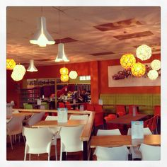 MINI WORLD cafetaria #DARK BOKY('s) HOPPY('s) concept colors white orange #project at Roeselare BE