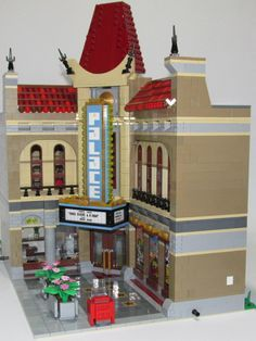 Lego Architecture Ideas – Interior Design Projects Lego Christmas Village, Best Lego Sets, Lego Display, Lego Projects, Design Projects, Amazing Lego Creations, Lego Building Blocks, Lego Room, Lego Modular