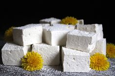 Homemade honey marshmallows are surprisingly easy to make, and they're a delicious treat easily made Elderberry Pie, Elderberry Gummies, Danish Butter Cookies, Honey Syrup, Maple Syrup, Beef Gelatin, How To Make Marshmallows, Cinnamon Raisin Bread, Yummy Treats