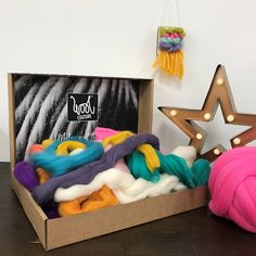 DIY Arm Knitted Cosy Chunky Blanket step-by-step guide - Wool Couture Giant Knitting, Knitting Kits, Arm Knitting, Needle Felting Kits, Wet Felting, Weaving Yarn, Yarn Bag, Chunky Blanket, Christmas Angels