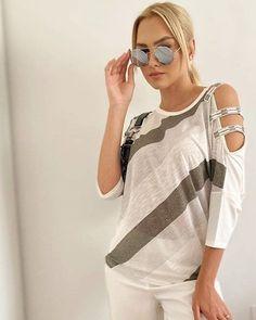 Μπλούζα @nicolaknitwear με λεπτομέρειες που κάνουν τη διαφορά!  #vayagr #blouse #boutique #fashion #style #casualstyle #ootd #thessaloniki #greece