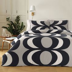 Marimekko is a Finnish design house celebrated worldwide for its prints and colors. When Marimekko was founded in its unparalleled printed fabrics gave it a strong and unique identity. Marimekko products are now sold in about 40 countries. Duvet Covers, Duvet Cover Sets, Comforter Sets, Duvet, King Duvet Set, King Comforter Sets, Duvet Sets, Home Decor, Marimekko Bedding