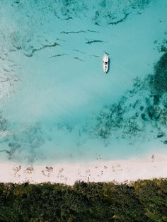 Drone shot of a Caribbean beach in Bayahibe, Dominican Republic // Aerial Photography, Travel Photography, Dji Drone, Dominican Republic, Travel Goals, Golden Hour, Aerial View, Iphone Wallpapers, Where To Go