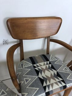 Vintage Set of Five Heywood Wakefield Chairs with Pendleton Dining Room Chairs, Side Chairs, Mid Century Modern Dining Room, Pendleton Fabric, Urban Cottage, Wakefield, Or Antique, Vintage Furniture, Mid-century Modern