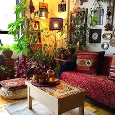 Boho Style Decor, Bohemian Decor, Boho Chic, Bohemian Style, Bohemian Cafe, Boho Living Room, Living Room Decor, Bohemian Living, Decor Room