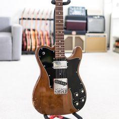 7,135 vind-ik-leuks, 44 reacties - Reverb.com (@reverb) op Instagram: 'This #mocha brown 1977 #Fender Custom #Telecaster is here to give you an extra #java jolt.…'