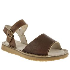 womens red or dead tan tumble weed sandals