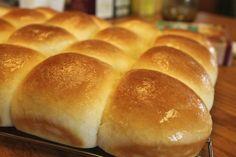 A simple recipe for homemade dinner rolls.data-pin-do=