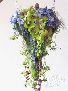 Flower Show, My Flower, Flower Ideas, Eiffel Tower Vases, Orchid Bouquet, Floral Fashion, Ikebana, Wedding Designs, Flower Designs