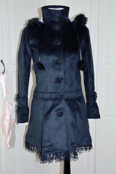Japanese fashion gal style cute autumn winter coat black Black Winter Coat, Fall Winter, Autumn, Fashion Gal, Korean Ulzzang, Workout Machines, Ulzzang Fashion, Japanese Fashion, My Wardrobe