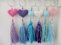 Most Popular crochet flowers keychain Ideas Love Crochet, Crochet For Kids, Irish Crochet, Easy Crochet, Crochet Flowers, Crochet Baby, Crochet Amigurumi, Crochet Slippers, Crochet Beanie