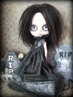 Drusilla: a Dark and Spooky Art and Fashion Doll by shepuppy