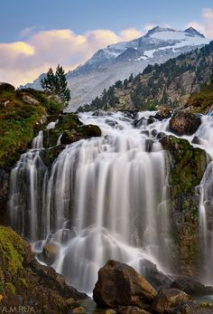 The Aneto, the highest mountain in the Pyrenees and one amazing place. The climb is killer. Wonderful Places, Beautiful Places, Places To Travel, Places To Visit, Places In Spain, Spanish Towns, Vernal Falls, Beautiful Waterfalls, Spain And Portugal