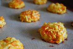 Carrot/apple/cheddar bites (variations: zucchini/ricotta or sweet potato/pear) Toddler foods