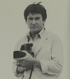 Pedro Luis Raota (1934-1986) was one of the 20th century's most important photographers. Since his first recognition in 1958, he won over 150 international awards for his exceptional work. His photographs have been exhibited at the Museum of Modern Art in New York and are included in collections around the world. Raota's talent is legendary. Like Dorothea Lange, Paul Strand or W. Eugene Smith, this Argentinian master's work stands apart and is beyond comparison.