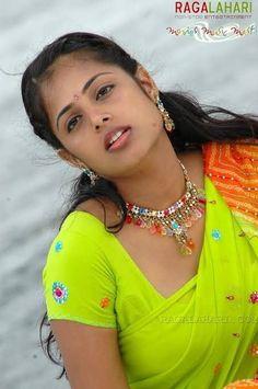 Sindhu menan Beautiful Bollywood Actress, Most Beautiful Indian Actress, Beauty Full Girl, Beauty Women, Sonakshi Sinha Saree, Bhavana Actress, Indian Girls Images, Cute Girl Pic, Indian Beauty Saree
