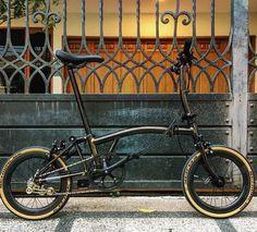 Black Raw Lacqure ... Fernando Prasetyo #Brompton #BIKEgang #BIKEgangSG #BromptonSociety #BromptonMODs #BromptonLife #MyBrompton #BromptonBicycle