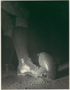 Harold Edgerton (American, 1903–1990). Wes Fesler Kicking a Football, ca. 1935. The Metropolitan Museum of Art, New York. Ford Motor Company Collection, Gift of Ford Motor Company and John C. Waddell, 1987 (1987.1100.89) © MIT, Harold Edgerton, 2014, courtesy of Palm Press, Inc. #MetGridironGreats