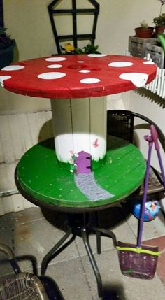Cable reel fun kids table