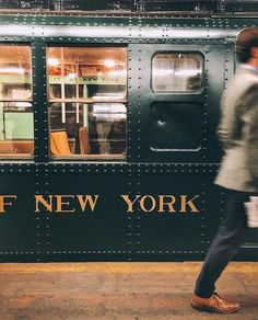 Time to hop on and discover the city of New York! : Time to hop on and discover the city of New York! New York Life, Nyc Life, City Aesthetic, Travel Aesthetic, Empire State Of Mind, Empire State Building, Photographie New York, A New York Minute, Images Vintage