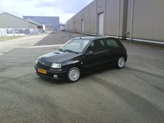 Renault 16V - not my one but similar. Little brother of the Clio Williams :-)