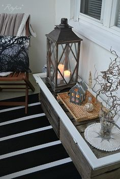 46 Affordable Winter Decoration Ideas For Your Balconies To Copy Asap - Balcony is an important part of your home and perhaps is the only place to relax and enjoy the fresh air, if you are living in an apartment. Autumn Decorating, Fall Decor, Living Room Grey, Living Room Decor, Winter Balcony, Balcony Design, Balcony Ideas, Front Rooms, Home And Deco