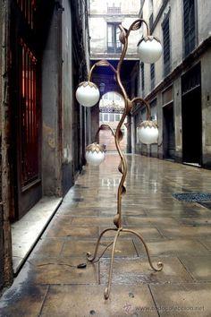 Lámpara de pie de hierro forjado con 4 luces