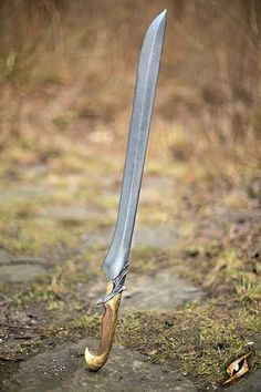 This is gorgeous! Clean lines. No useless embellishments. Just a simple and deadly sword.