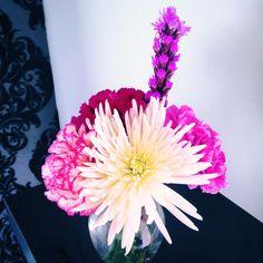 #salon #salonbeau #thesalonbeau #flowers #flowersoftheweek #purple #pink #white