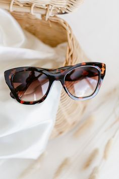 Shady Lady, Trendy Summer Outfits, Southern Belle, Lc Lauren Conrad, Cat Eye Sunglasses, Sunnies, Work Wear, Purses, Future