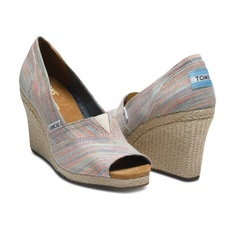 Toms wedges! (yes, I know I already have a pair, but I want this color, too!)