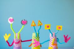 Junk modelling is so much fun and a great way for kids to use their imaginations. Make these bright and colourful aliens. Fun, DIY craft for all the family.