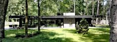 Horisontale linjer i skoven, Facade Interior Architecture, Interior And Exterior, Facade Design, Facade House, Aarhus, House Painting, Mid-century Modern, Modern Homes, Bungalow