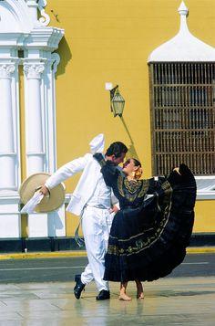 Mexican Dance. [ MexicanConnexionforTile.com ] #culture #Talavera #Mexican
