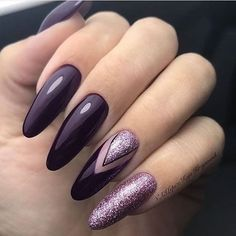 Manicure trend fall winter 2018 Nail polish dark purple and pink sequins, nail art easy to do, features. Manicure trend fall winter 2018 Nail polish dark purple and pink sequins, easy to do nail art, features. Tendencia de manicu Source by Dark Purple Nail Polish, Purple Glitter Nails, Purple Manicure, Violet Nails, Glitter Nail Art, Fall Manicure, Nail Art Rose, Manicure Ideas, Nail Ideas