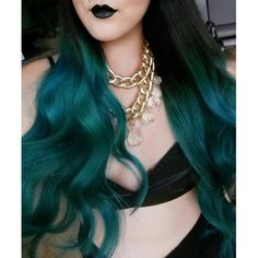 This is how #AtomicTurquoise comes out on hair that is only bleached a little bit. The beautiful picture is @dahliaxrose.