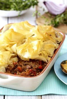Whip up a quick family dinner with the help of this easy recipe for Cape Malay Mince and Phyllo Pie. Quick Family Dinners, Easy Meals, South African Recipes, Ethnic Recipes, Baked Goods, The Help, Cape, Cabbage, Beef