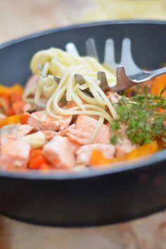 Pasta mit Lachs // [schmeckt wohl.] http://schmecktwohl.blogspot.com #schnellekueche #foodpic #foodphotography
